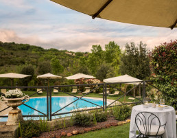 Esperienze - Drink in piscina - Hotel Osteria dell'Orcia
